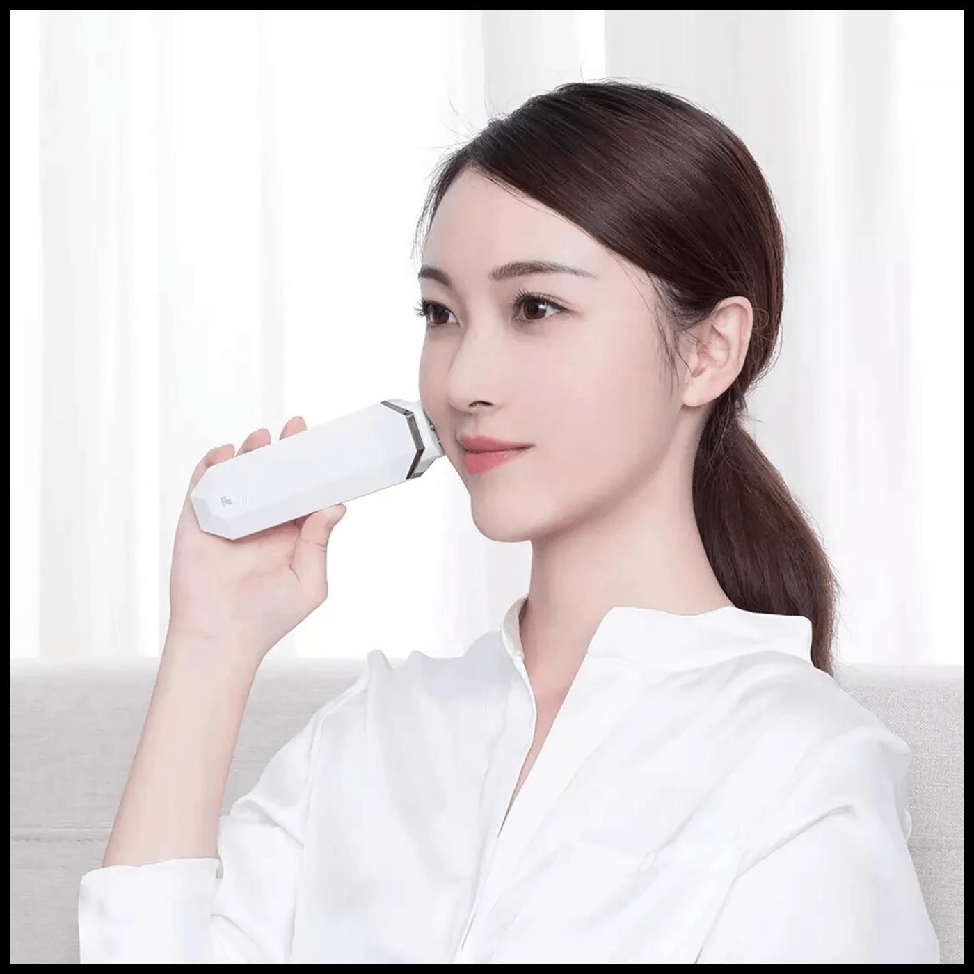 Aparat za čišćenje mitesera i pora kože lica